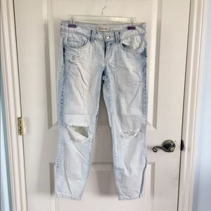 Light Bleach Wash Ripped Distressed Jeans
